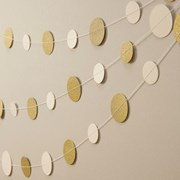 Picture of Metallic Perfection - Circle Garland - Ivory and Gold